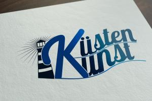 Mockup von dem Küstenkunst Logo auf weißem Papier