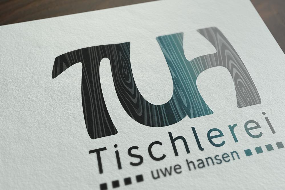 Mockup von dem TUH Tischlerei Uwe Hansen Logo