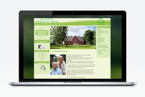 Mockup der Website von Seminarhof Diekhusen mit der Startseite auf einem Laptop