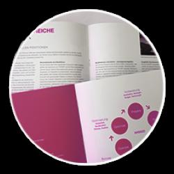 Warum ist eine Imagebroschüre wichtig und was zeichnet die perfekte Imagebroschüre aus? Die Imagebroschüre ist ein elementares Medium zur Darstellung Ihres Unternehmens und Ihrer Leistungen als Printerzeugnis. Ein konsequenter Aufbau sowie aussagekräftige Fotos und prägnante Texte sind dabei unverzichtbar und zeichnen eine gute Imagebroschüre aus. Je nach Zielgruppe wird die Broschüre so gestaltet, dass die Unternehmensidentität optimal dem Kunden vermitteln wird und dieser den Mehrwert an Ihren Produkten und Dienstleistungen erkennt.  Wir bieten Ihnen das Komplettpaket: Vom Design und Struktur über Text und Lektorat bis zum fertigen Druck - und das alles zum guten Preis!