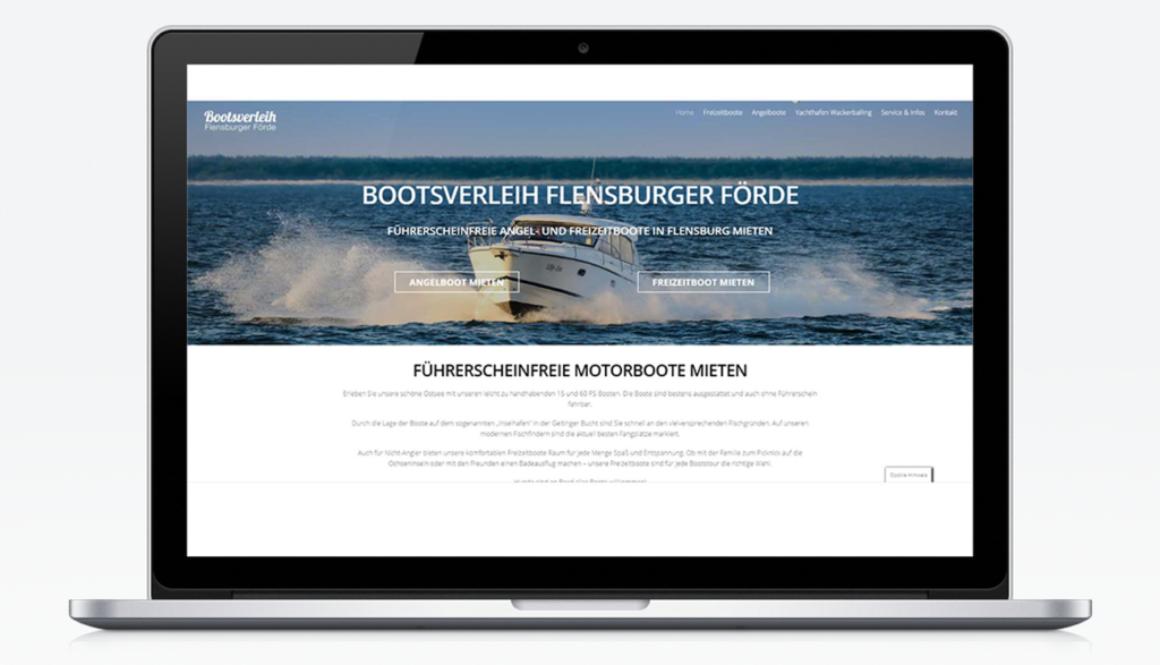 Mockup eines Laptops mit der Bootsverleih Flensburger Förde Website